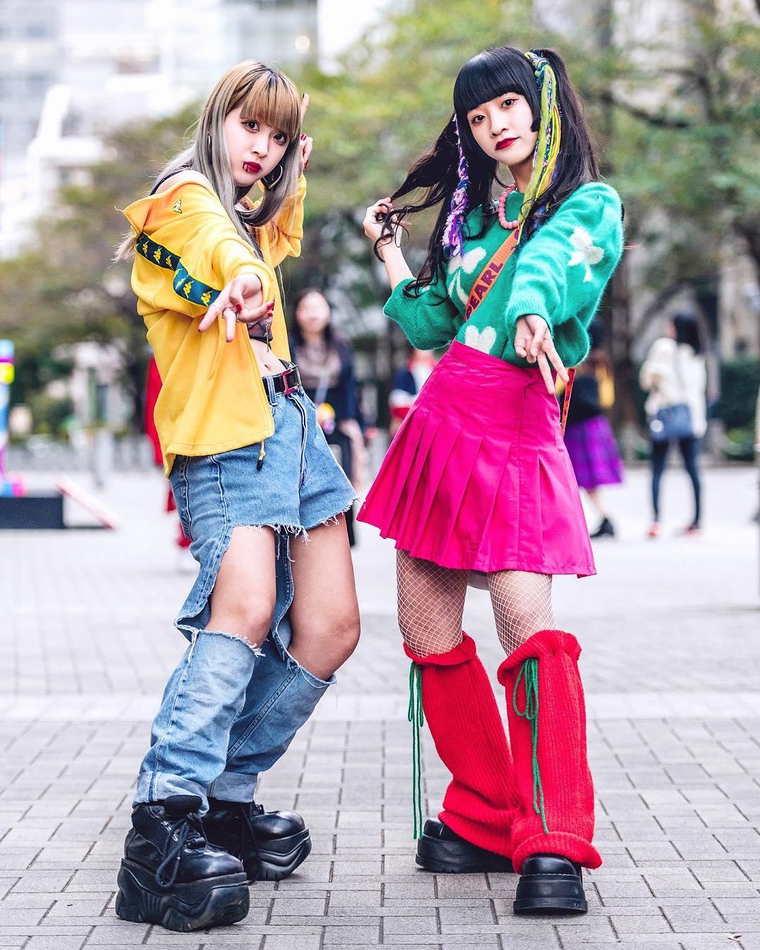 japanese-harajuku-lesbian-naked-efron-having-sex