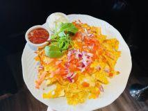 Nachos tallrik - smält ost, tomat & lök