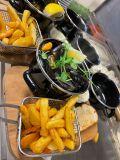 Moules Frites , Blåmusslor med skal, bröd, aioli