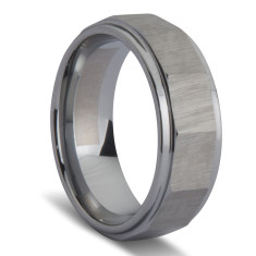 Slated brushed men's ring