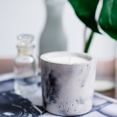 Marble style concrete candle