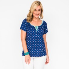 Shelly cross navy top