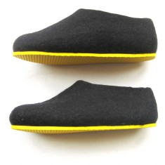 Women's wool shoes in black honey
