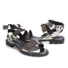 Comet sandals in metallic platinum