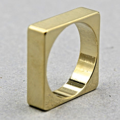 Square chunk ring