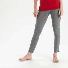 Twisted seam legging