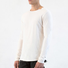 Men's longsleeve tee in natural