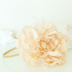 Peony hairband in antique cream