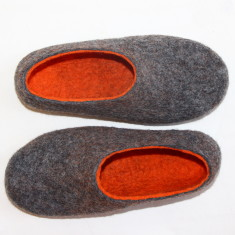 Women's felt slippers in grey tangerine