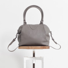 Force of Being leather bag in light grey