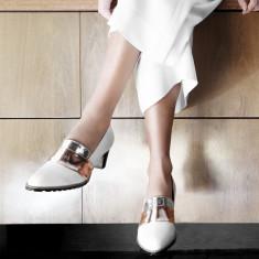 Sheba Block Heel Leather Pumps - White with Metallic Band