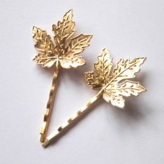 Gold maple leaf bobby pins