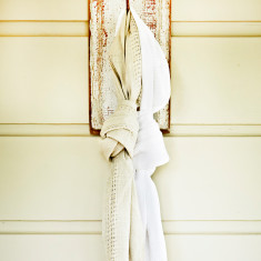 Linen lattice scarf in white
