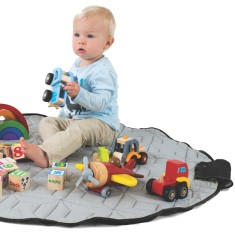 Bebé Pouch play mat and carry-all bag in one