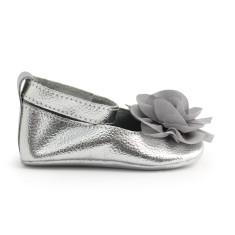 Baby shoes in fleur de fee