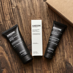 Shave gel, facial moisturiser & wash gift set