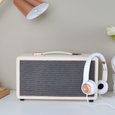 HolySmoke Bluetooth Retro Newnest Speaker in White