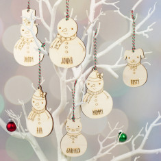 Wooden Snowmen family personalised Christmas decoration