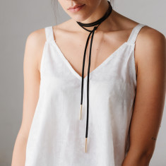 Gigi wrap necklace in black