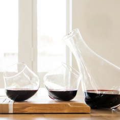 Kinetic Decanter with set of two stemless wine glasses
