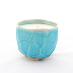 Yuniku candle in honeysuckle, mandarin & mimosa