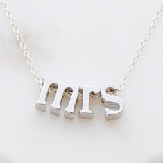 Mrs necklace in Rose gold or silver
