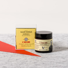 Espresso-scented mancandle candle