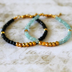Semi-precious stone bracelet with gold nugget beads