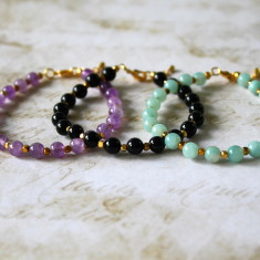 Semi-precious stone bracelet with brass cube beads