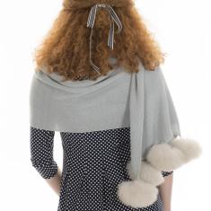 Alpaca fur pompom wrap