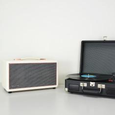 HolySmoke Bluetooth Birdwood Speaker & Turntable