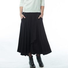 Dagny black skirt