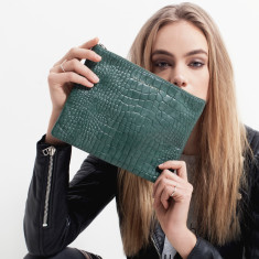 Antiheroine leather wallet in teal croc emboss