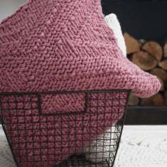 Make Your Own Kingley Cushion Cover Knitting Kit