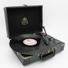 GPO Attache Go Turntable Record Player
