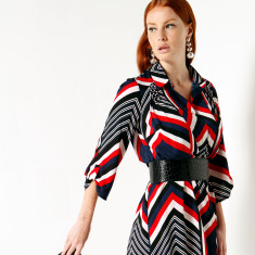 Riley 3/4 Sleeve Loose Fit Collard Shirt Dress in Red Navy Zip Zag Print