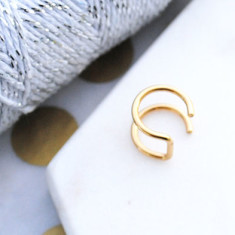Upper cuff earring in gold