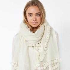 Jet set scarf in ivory