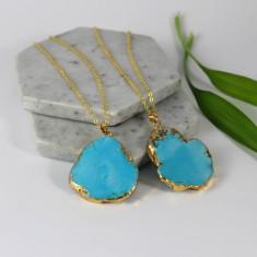 Turquoise stone pendant necklace