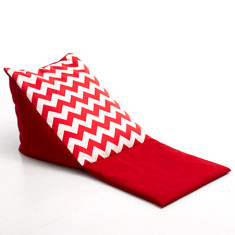 Triangle head rest