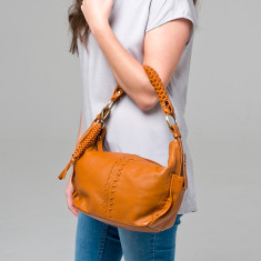 Sophie leather handbag in tan