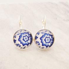 Blue China pattern glass dangle drop earrings in silver