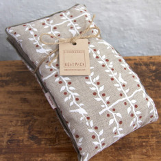 Heatpack in white and red espalier