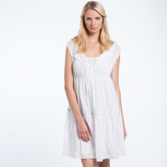 Evie dress in white