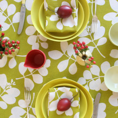 Organic tablecloth and napkin set in citronelle