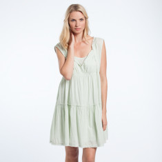 Evie dress in mint green