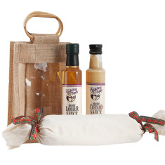 Family Christmas pack with Christmas pudding and sauces