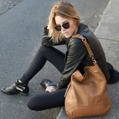 The lair leather bag in tan