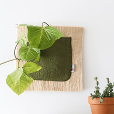 Felt pocket wall hanging (various colours)