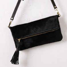 Carolina clutch in all black